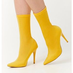 Yellow booties Size 8.